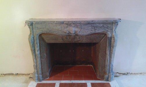 Restauration d'une cheminée en marbre .
