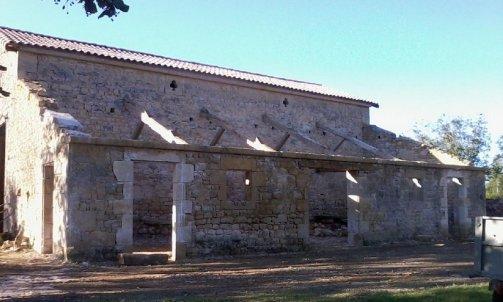 Restauration d'une grange , modification et création d'ouverture.