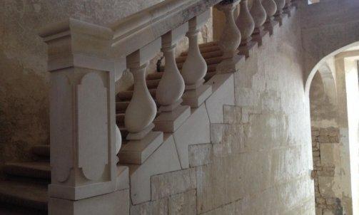 "Restauration d'une balustrade rampante secteur ""Foussaie payré"""